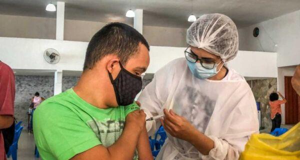 São Pedro da Aldeia mantém vacinação contra Covid-19 nesta segunda-feira (11), véspera de feriado