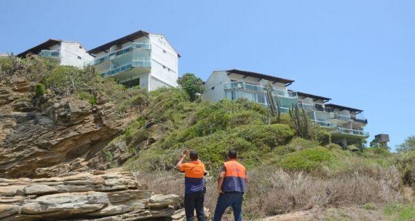 Defesa Civil de Búzios interdita flats no condomínio Caravelas