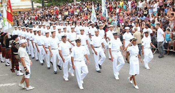 Arraial do Cabo comemora 29 anos com tradicional desfile cívico