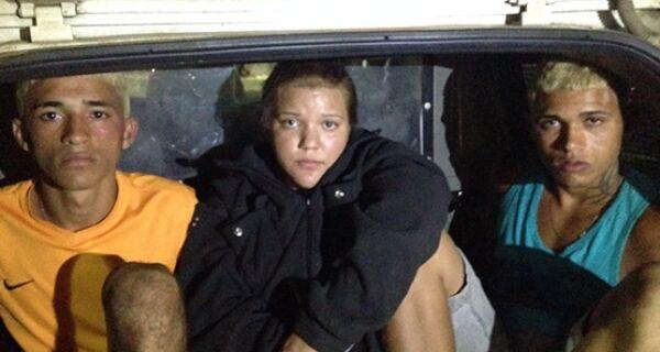 Três pessoas foram presas após furtarem casa em condomínio em Unamar