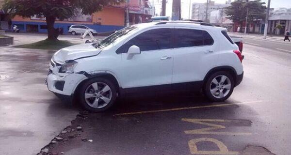 Polícia flagra grupo na Rainha da Sucata com Chevrolet Tracker roubada em fevereiro no Rio