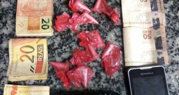 Dois homens foram presos com nove cápsulas de cocaína em Monte Alegre