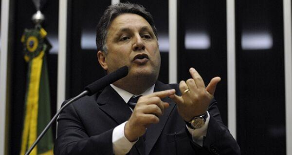 Garotinho critica pesquisa e afirma que tem liderança isolada na corrida para o Governo do Estado