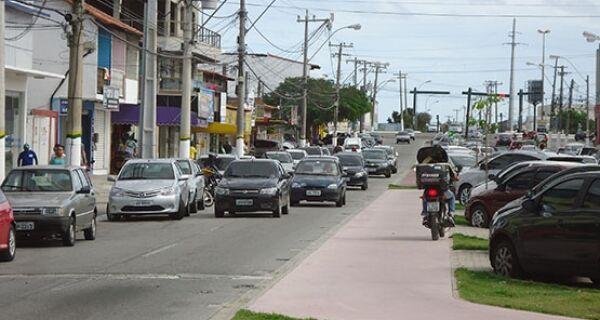 Leitores denunciam problemas na Avenida Joaquim Nogueira