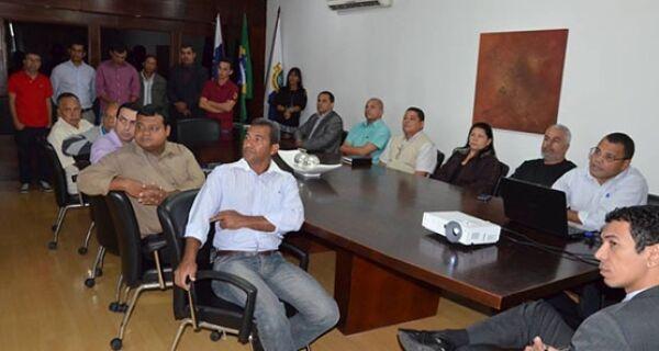 Cláudio Chumbinho se reúne com Conselho Municipal de Pastores de São Pedro da Aldeia