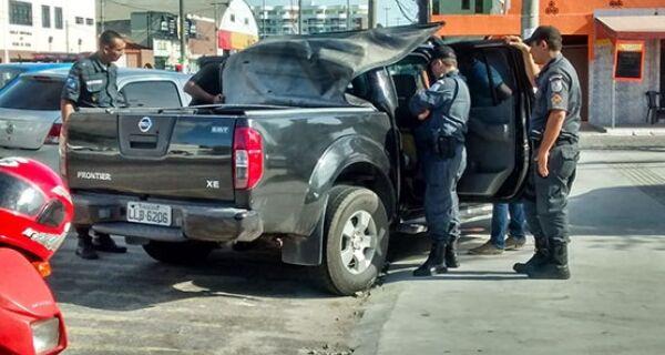 Policiais do 25º BPM encontram R$ 180 mil escondidos em picape