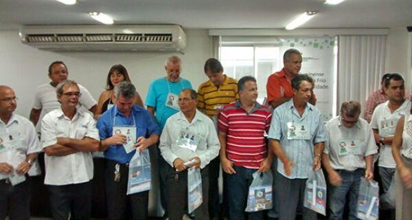 Taxistas recebem certificado de capacitação turística