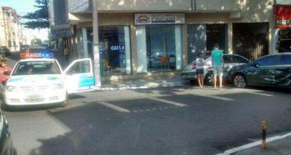 Trecho da Rua Jorge Lóssio é interditado após acidente