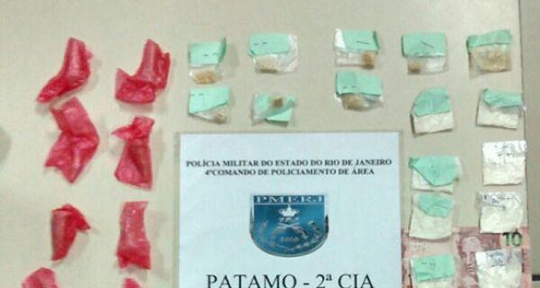 Menor de 17 anos é apreendido com crack e cocaína no Vinhateiro, em São Pedro da Aldeia