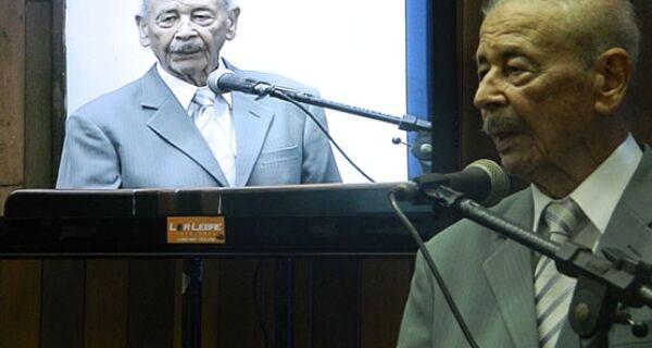 Ex-vereador Walter Bessa é homenageado na Câmara Municipal