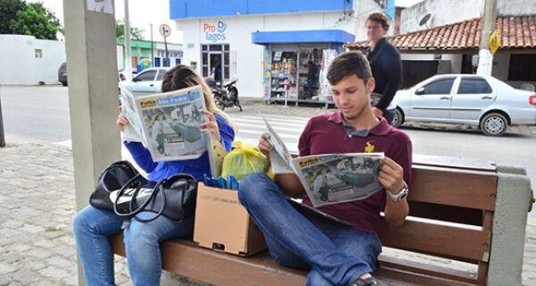 """""""Vou levar o jornal dentro da bolsa para saber o que acontece na cidade"""""""