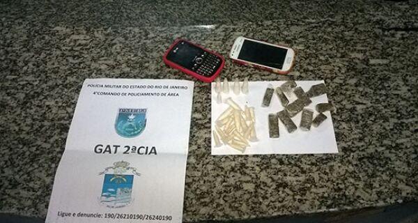 Menor é flagrado com maconha e cocaína no Morro dos Milagres, em São Pedro