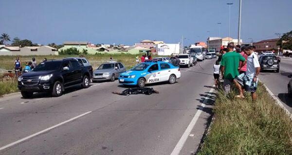 Mulher morre atropelada na RJ 140, em São Pedro da Aldeia