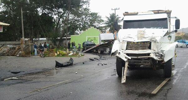 Dois acidentes na RJ 140 deixam trânsito lento no acesso a São Pedro