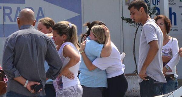 Acidente entre ônibus e moto deixa uma mulher morta nas Palmeiras