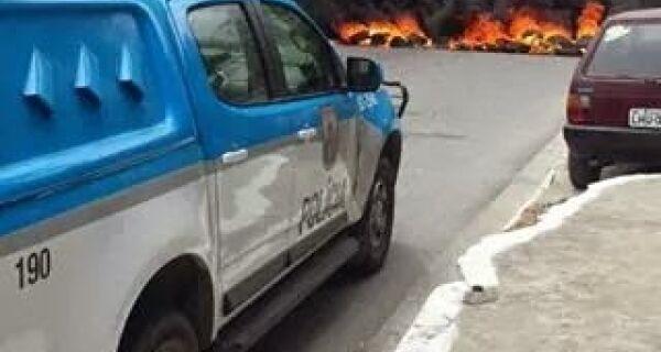 Após morte de homem no Jacaré, moradores fazem protesto no bairro
