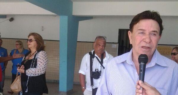 Evasivo sobre voto, Alair exalta seus oito ''afilhados políticos'