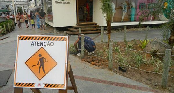 Obras na Rua dos Biquínis, em Cabo Frio, estão quase concluídas