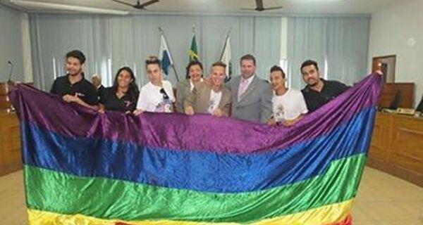 Câmara de São Pedro aprova projeto que institui Dia de Combate a Homofobia