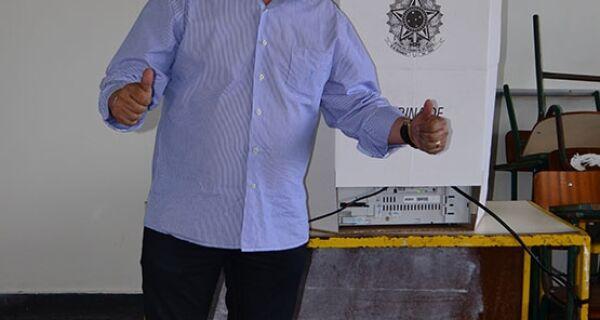 Vice de Cabo Frio toma posse como prefeito durante cinco dias