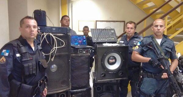 Policiais do Grupamento de Ações Táticas apreendem crack, cocaína e maconha em Cabo Frio
