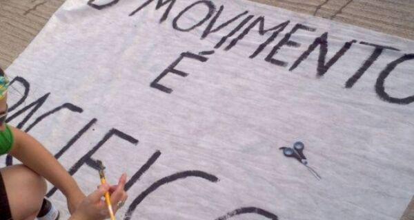 Estudantes do Centro de Vocação Tecnológica de São Pedro fazem manifestação