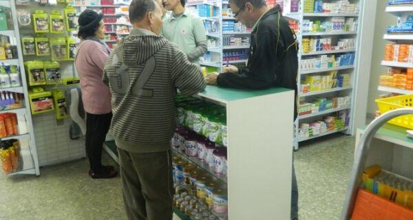 Consumidor fica sem farmácia após meia-noite