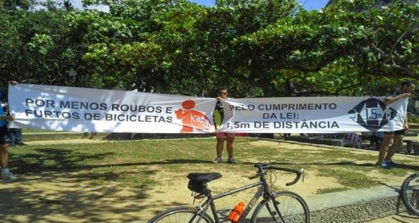 """Ciclistas promovem """"Pedal Pela Paz"""" em Cabo Frio"""