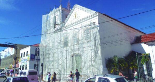 Reforma da igreja deve ser concluída este mês