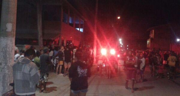 Dois jovens são mortos a tiros em Unamar