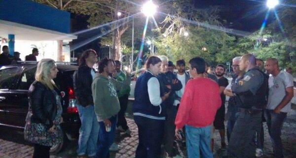 Fiscais da Prefeitura tentam acabar com Roda Cultural na Passagem