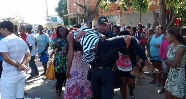 Manifestação no bairro São Jacinto termina com spray de pimenta e bomba de gás lacrimogênio