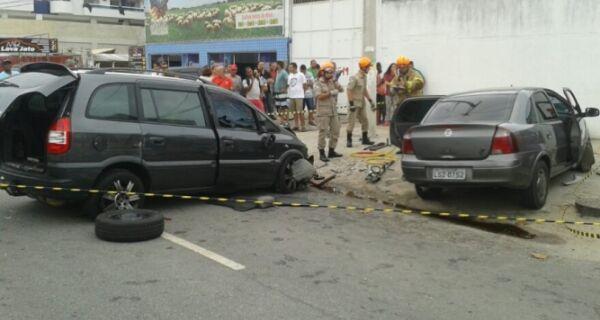 Acidente deixa um morto e dois feridos na Teixeira e Souza