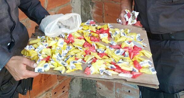 Homem é preso por tráfico de drogas em Cabo Frio, neste sábado (17)