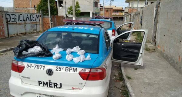 Policia destrói barricadas do tráfico e apreende grande carga de drogas na Rainha da Sucata