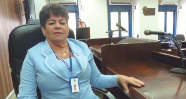 A 'primeira-ministra' da Câmara de Cabo Frio: conheça a chefe de gabinete da Presidência Nazaré Paiva