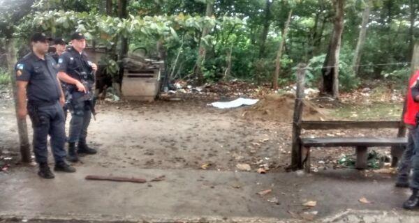 Homem é encontrado morto na Praia do Siqueira, em Cabo Frio