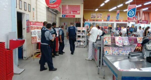 Tiroteio deixa um morto e quatro feridos no Extra de Rio das Ostras