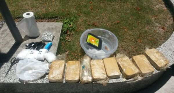 Polícia apreende 12 kg de pasta base de cocaína na Boca do Mato