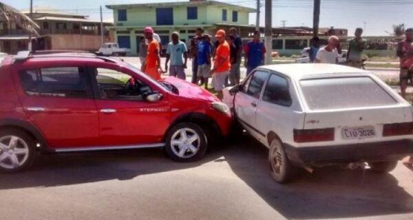 Uma pessoa morre e outra fica ferida em acidente de trânsito