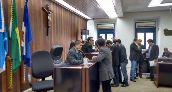 Câmara decide não aceitar ofício que pede cassação de Alair Corrêa