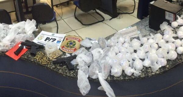 Polícias Militar e Federal apreendem cocaína e armas em Cabo Frio