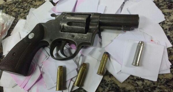 Polícia prende dois traficantes de Arraial do Cabo