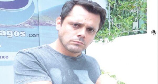 'Vitória na Guerra': Flávio Carriço comemora repercussão de 'A Regra do Jogo'