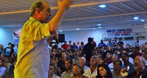 Ciro afirma que pode ser presidenciável, mas descarta rótulo de 'salvador da pátria'