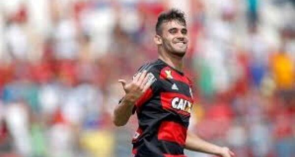 Cabofriense Felipe Vizeu é opção no ataque do Flamengo contra o Vasco
