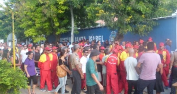 Multidão lota o Santa Izabel para se despedir de Boca