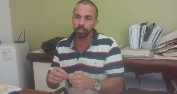 Secretário diz que associar peixes mortos no Peró a desastre de Mariana é 'peruada'