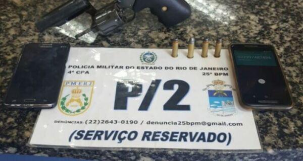 Polícia prende dois com arma e munição no Tangará