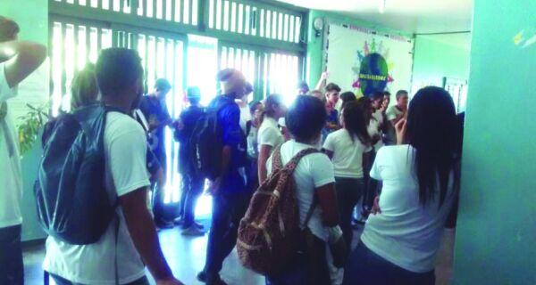 Escola Estadual 20 de Julho, em Arraial, é ocupada por estudantes